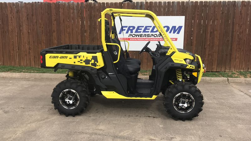 2019 Can-Am DEF XMR HD10