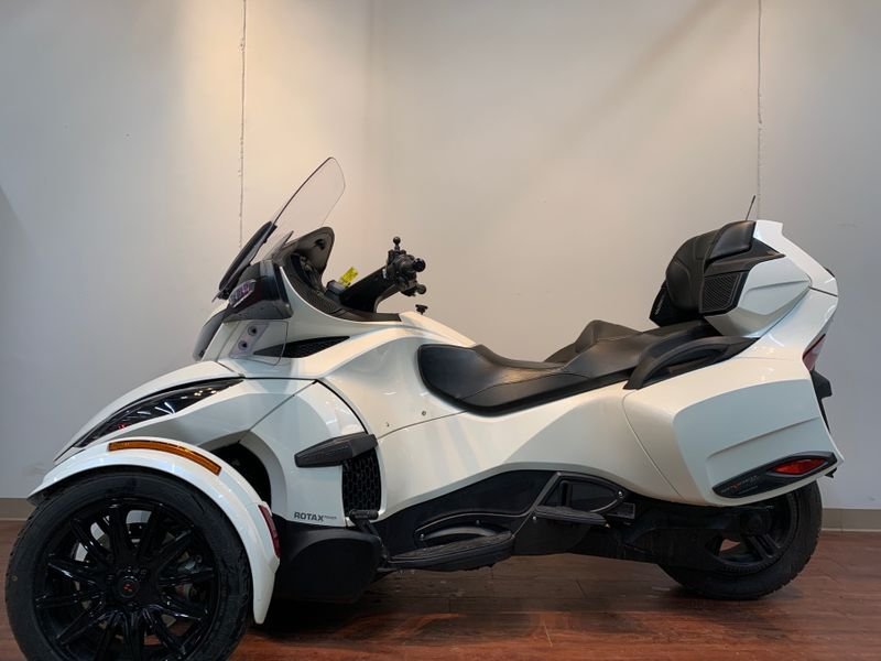 2018 Can-Am SPYDER RD LTD