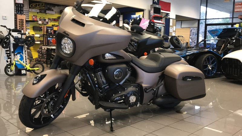 2019 Indian Motorcycle CHIEFTAIN DARK HR