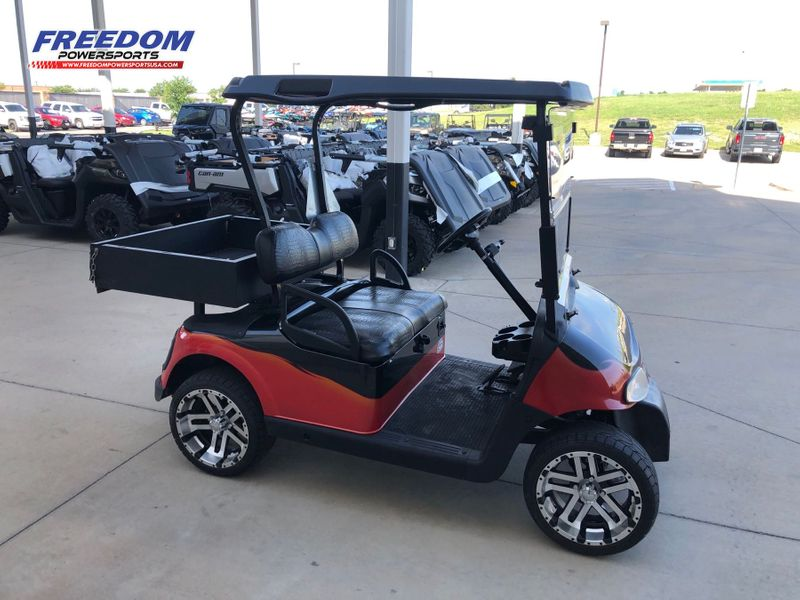 2010 E-Z-GO GOLF CART