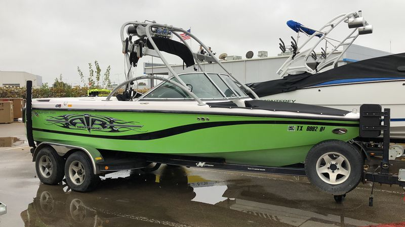 2004 Monterey & Nautique 210 SUPER AIR NAUTIQ