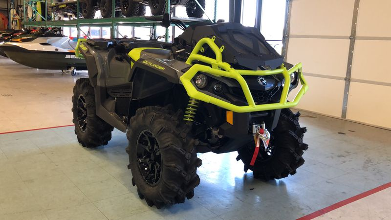2020 Can-Am OUT XMR 1000R