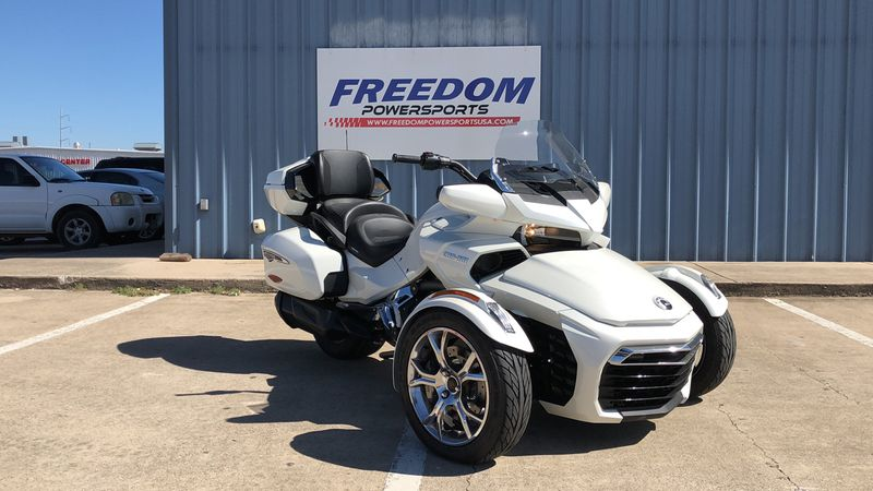 2019 Can-Am SPY F3 LIM SE6